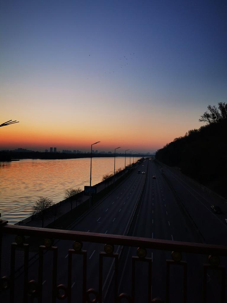 Не передать ни одним снимком реальную красоту утреннего неба