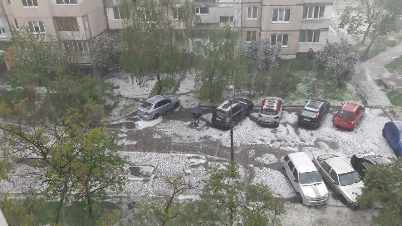 В некоторых районах Киева был град
